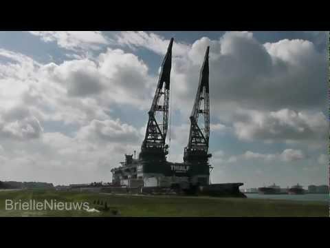14/05/12 Heerema Thialf - The biggest Crane Vessel in the World