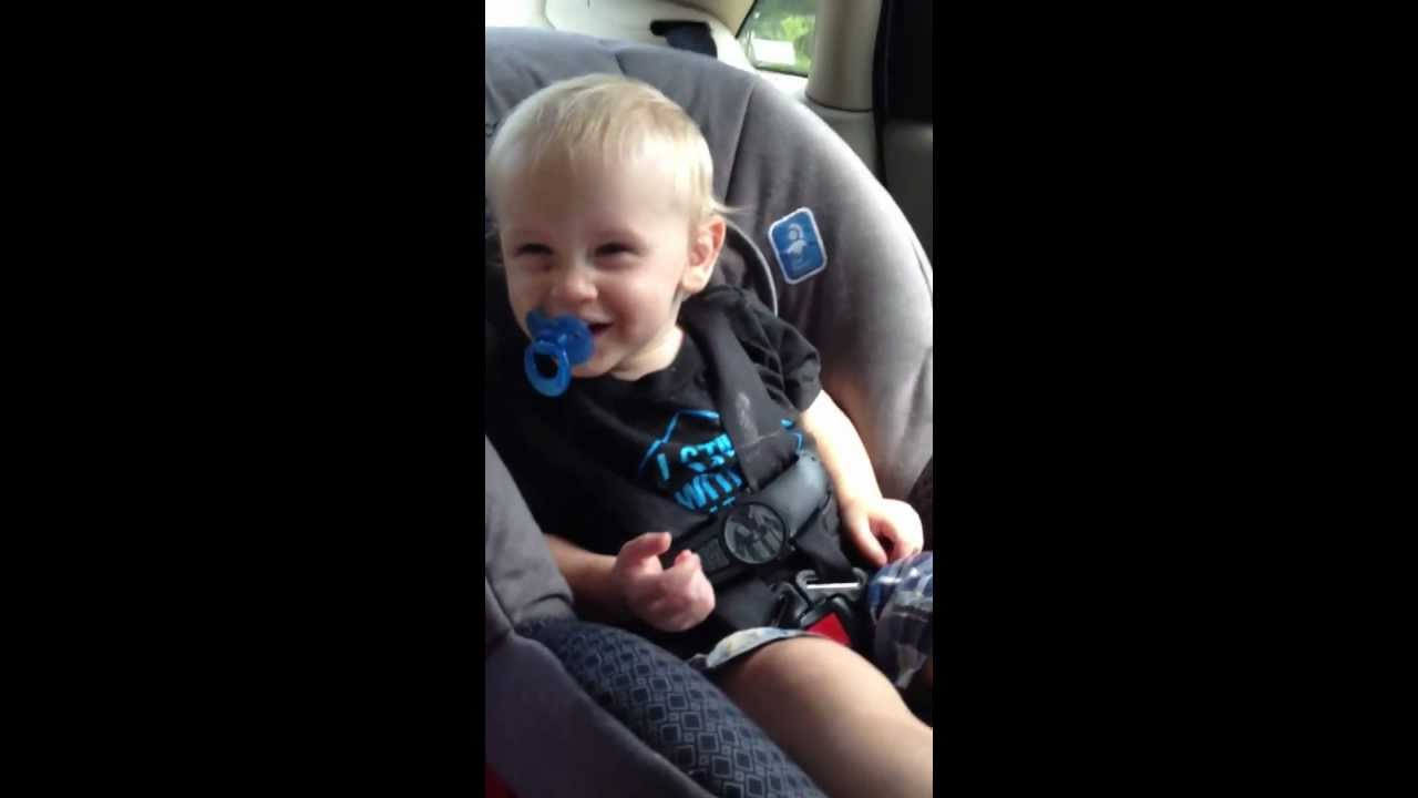 GANGNAM STYLE Baby dances to in car seat - YouTube