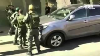 جنودالاحتلال يعتدون على مدرس لعدم خلع ملابسه للتفتيش