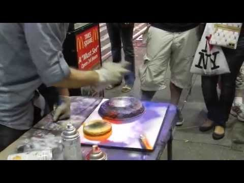 Amazing Spray Painting: Street Performer
