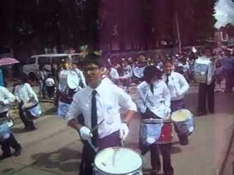 Desfile colegio jardin del eden blv el caminero youtube for Colegio jardin de africa