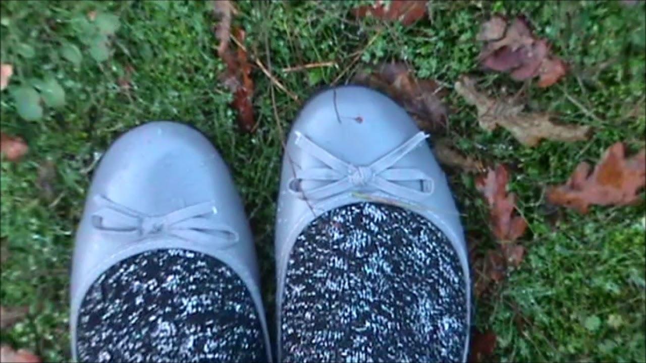 e41bb6c349545b Walking in my new sexy grey flats   black leggings - YouTube