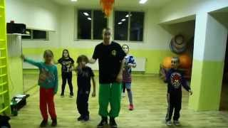 Uatalala Hip Hop Community (kids) - put your lighters up lil kim