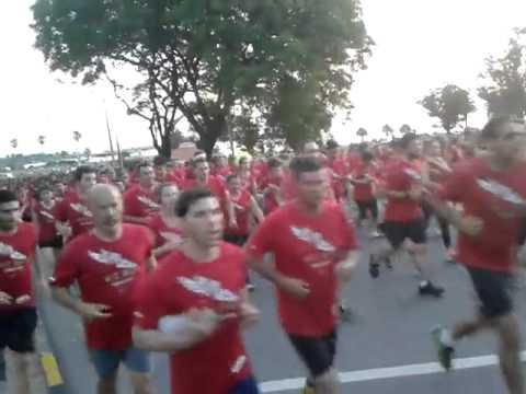 10k Nike We run Montevideo 2013 (23/nov): 650m post largada
