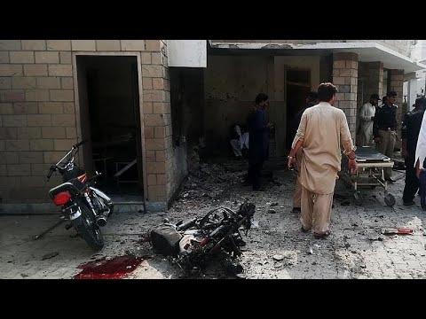 مقتل ثمانية أشخاص في تفجير نفذته انتحارية شمال غرب باكستان…  - نشر قبل 53 دقيقة
