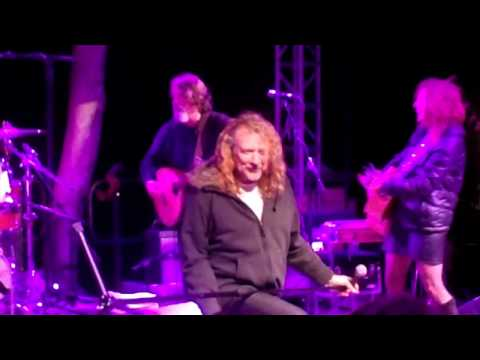 Robert Plant Plays Ramble On 11/5/11