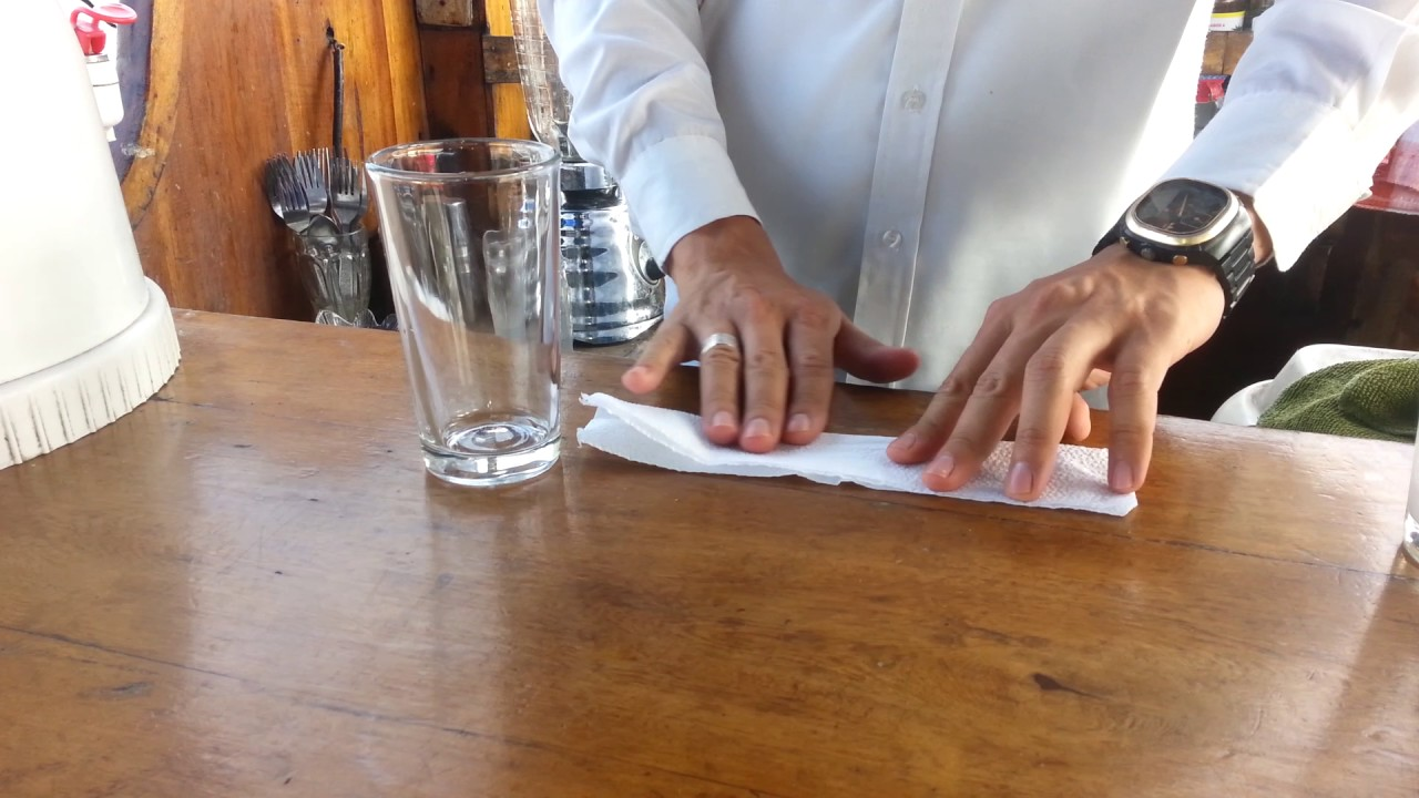 Como colocar la servilleta al vaso largo