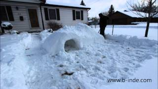 How To Build An Awesome Igloo Snow Fort - Timelapse