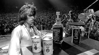 Cocaine blues : chanson interprétée par Keith Richards sur l'album ...