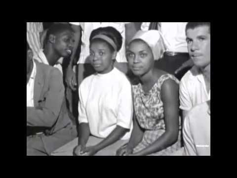 G.R.E.S. UNIDOS DE VILA ISABEL 1965  - BATERIA + DESFILE- Documentario