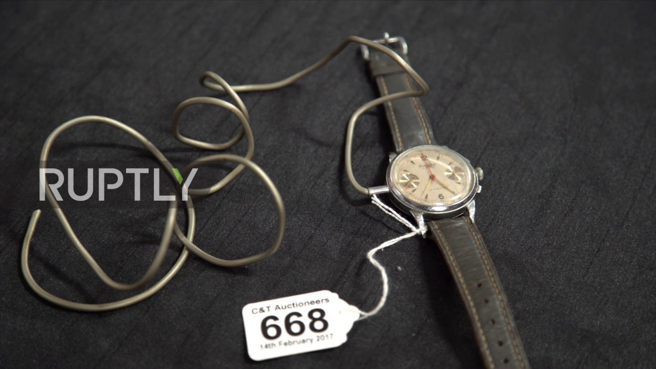 UK: Garrote wire and fountain pen dagger - WWII British spy weapons ...