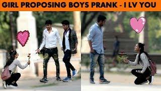 GIRL PROPOSING BOYS PRANK SAYING I LOVE YOU !! PRANK IN INDIA !!PRANK IN JAIPUR