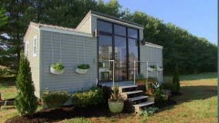 Tiny House Nation's First Featured Home Is A 172sf Tiny Paradise