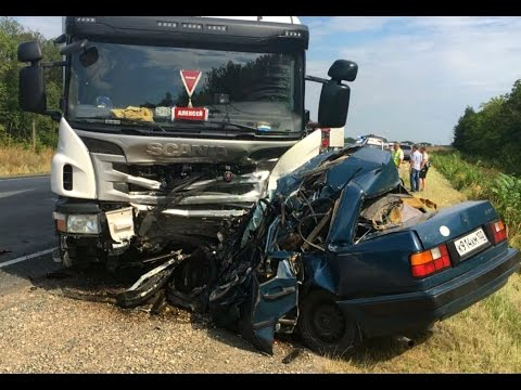 10 Minutes TRUCK CRASH - Amazing Trucks Accident - Best Trailer Crash Compilation 2016 #10