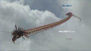 Ada 'Naga Raksasa' Terbang di Festival Layang-layang Tulungagung MP3