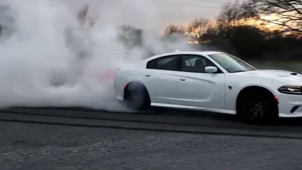 Dodge Charger Srt Hellcat >> Hellcat Charger burnout - YouTube