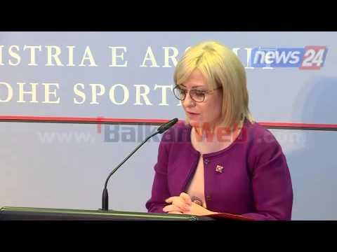 Nikolla- takon ministrin grek Loverdos: Do rishikohen tekstet shkollore