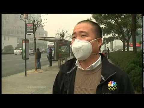 Heavy pollution chokes Shanghai's air quality