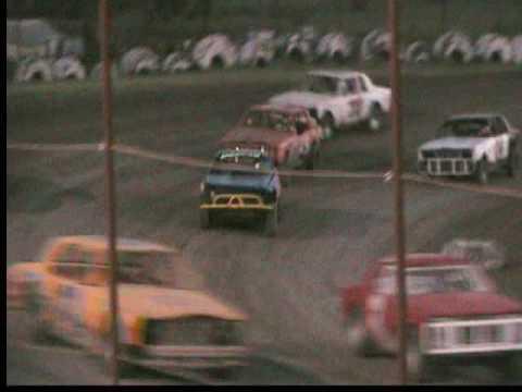 07-11-09 Thunderbird Speedway Bomber Heat Race