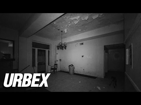abandoned-haunted-hotel-at-night---homeless-encounter