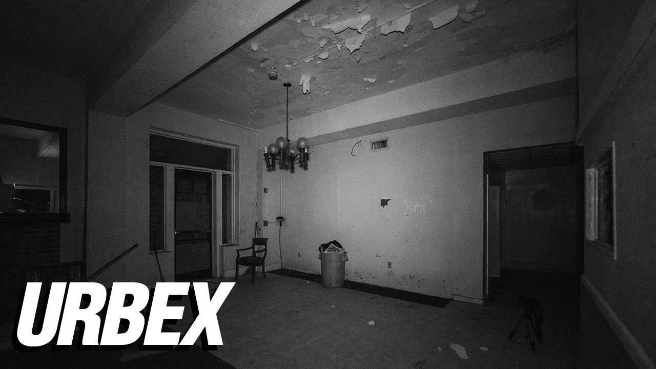 Abandoned Haunted Hotel AT NIGHT