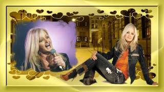 Watch Bonnie Tyler Everybody Hurts video