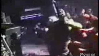 Kurt Cobain got punched by a bouncer