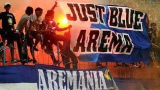 aremania nyanyikan lagu arema cronus punk rock by dede aldrian feat yans