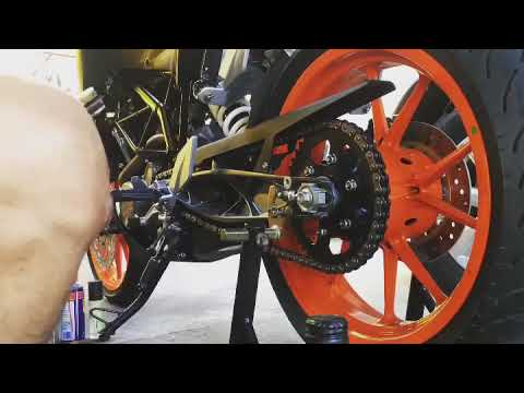KTM DUKE 200 Weekly Maintainace (Chain cleaning & Break Cleaning)