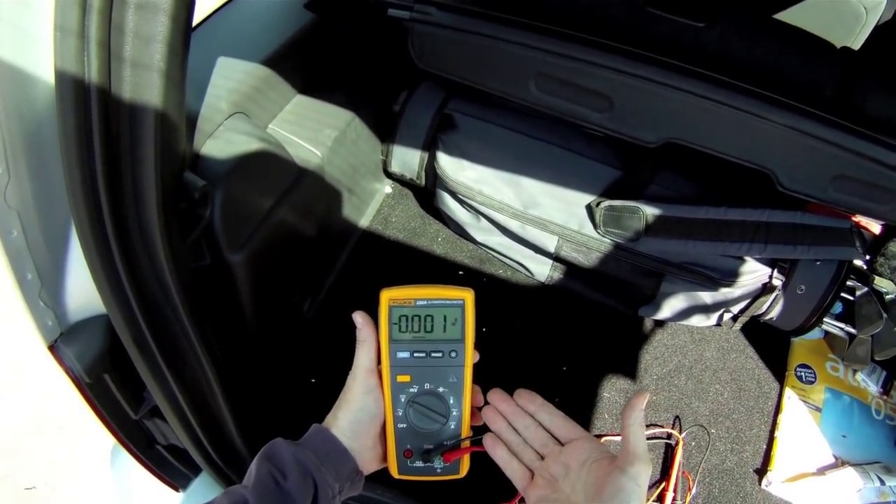how to test a rear window defroster grid with the fluke 233 [ 1280 x 720 Pixel ]