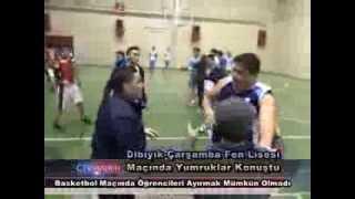 Liseler Arası Basketbol Maçında Yumruk Yumruğa Kavga