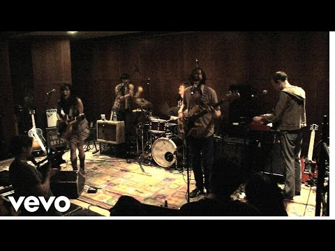 Thao and the Get Down Stay Down - Bag Of Hammers (Live)