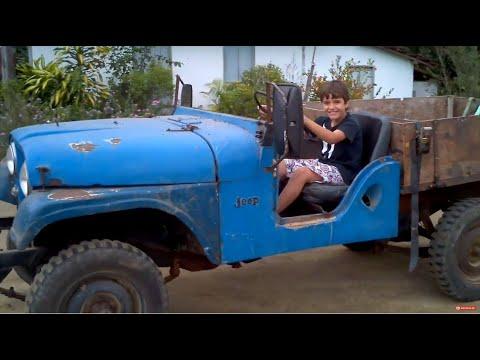 Gustavo dirigindo o Jipão com motor de Maverick 6cc - Jeep 3.0 6 Cilindros a Gas de Cozinha