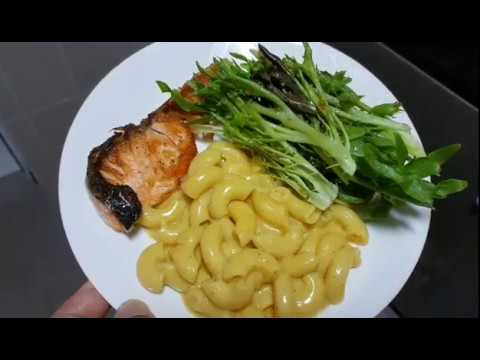 Ep 12 - Super Easy & Quick Creamy Mac n Cheese with Grilled Salmon