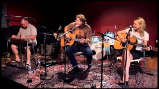 """Kelly Willis and Bruce Robison - """"Born to Roll"""""""