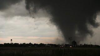 *FIRST 10 MINUTES OF DAMAGING KANSAS TORNADO* - May 24, 2021 Selden, KS Tornado Terrorizes Town