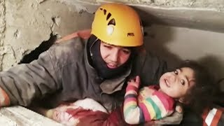 5-тилетний мальчик найден живым под завалами после землетрясения в Турции