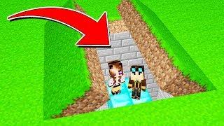 COSTRUIAMO UN PASSAGGIO SEGRETO SU MINECRAFT! - Casa di Minecraft LIVE
