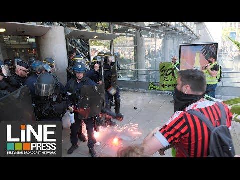 Le cheminots en grève envahissent plusieurs gares parisiennes / Paris - France 07 mai 2018