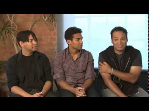 Shyness Runs in the Family for the Jacksons - 3T