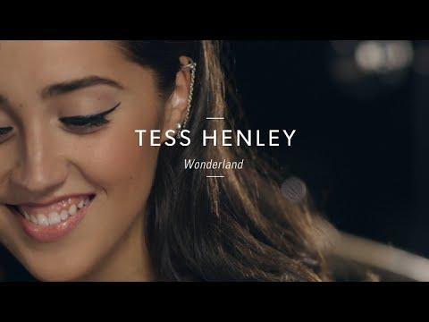 """Tess Henley """"Wonderland"""" At Guitar Center"""