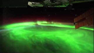 Above the Aurora: An Amazing Space Fly-Over