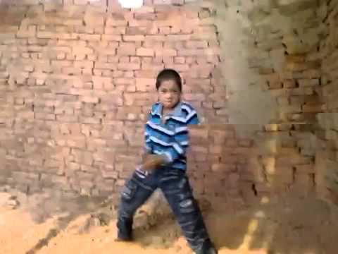 2 thanh niên trẻ quẩy tung lò gạch tại duy tiên----hà nam