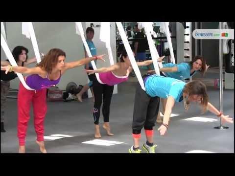Antigravity yoga: relax in sospensione