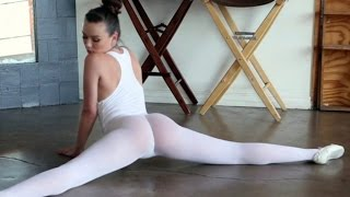 Download Video Hot & sexy flexible girl practicing ballet MP3 3GP MP4