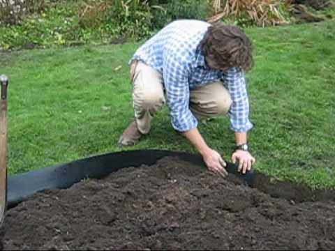 How to install recycled plastic lawn edging roll around