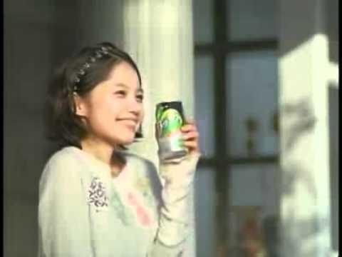 宮崎あおい 梅酒 CM スチル画像。CM動画を再生できます。