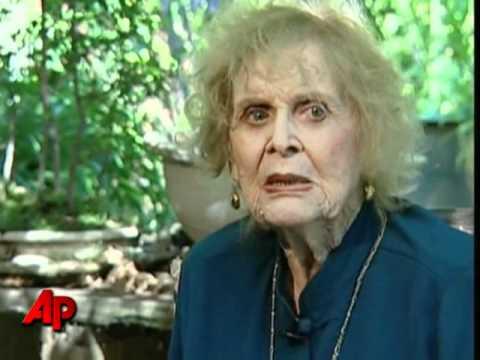 'Titantic' Costar Gloria Stuart Dies at 100