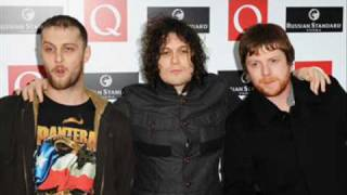 Watch Fratellis Lay Down Easy video