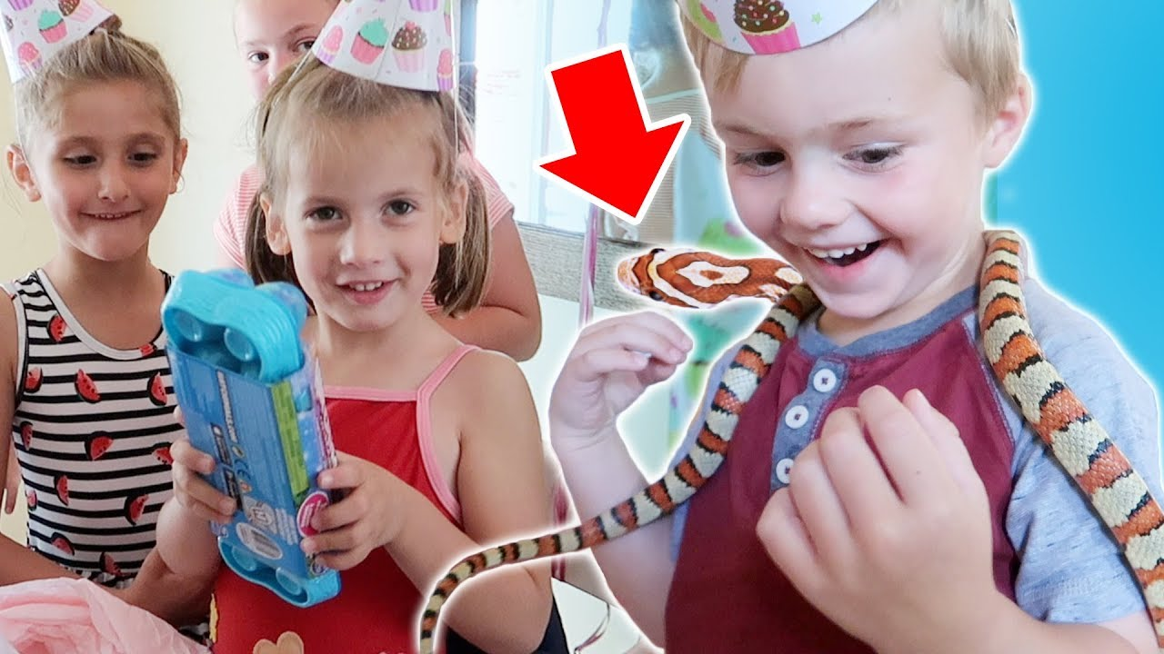 BIRTHDAY PARTY with my COUSIN'S real SNAKE!